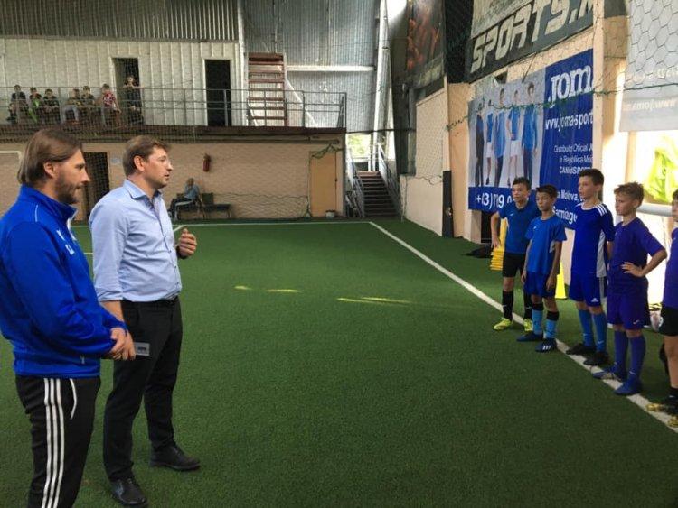 Pretorul Sectorului Râșcani, D-L Vlad Melnic! In vizita la antrenamentele elevilor Noștri, a Școlii de Fotbal Nr1!  Emoț...